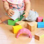 積み木遊びの狙いって何?子供に与える効果やお年寄りにも良いかも!